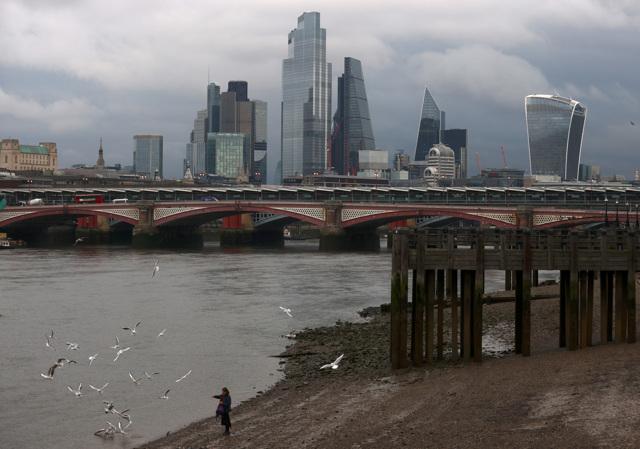 L'economia britannica è sull'orlo del caos