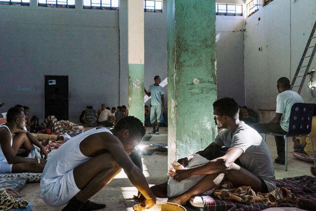 Zawiya, Libia, maggio 2017. Migranti nel centro di detenzione di Al Nasr. - Lorenzo Tugnoli, The Washington Post/Contrasto