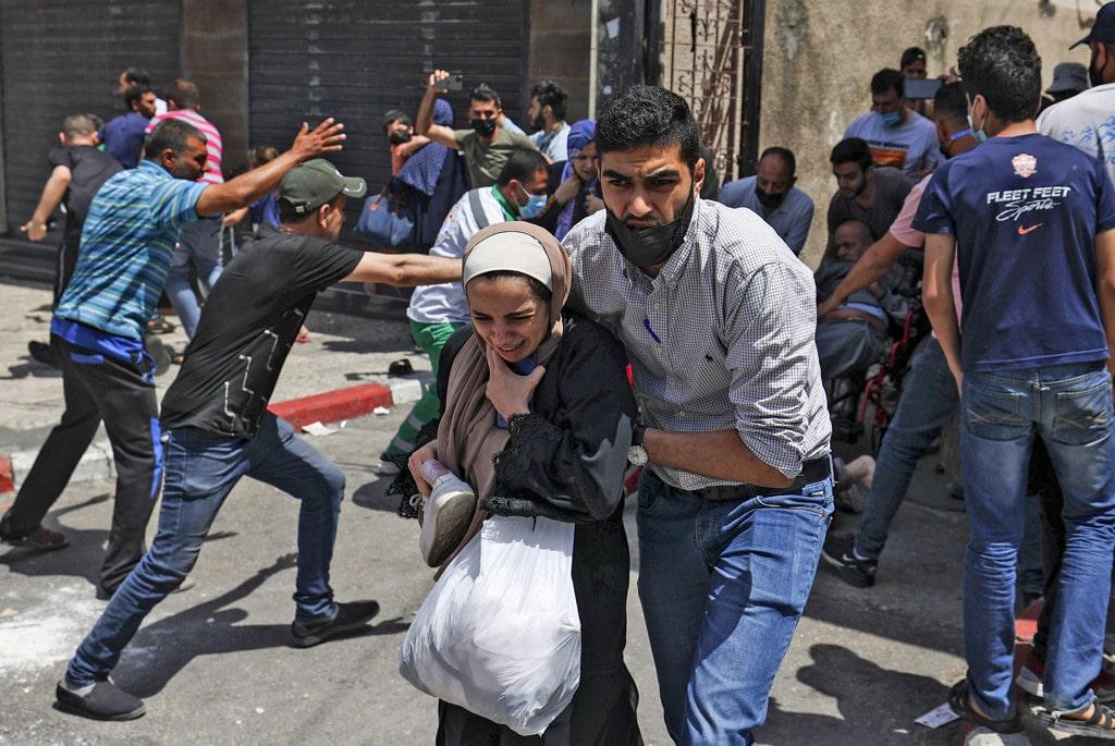 Esercito israeliano colpisce gli obiettivi delle