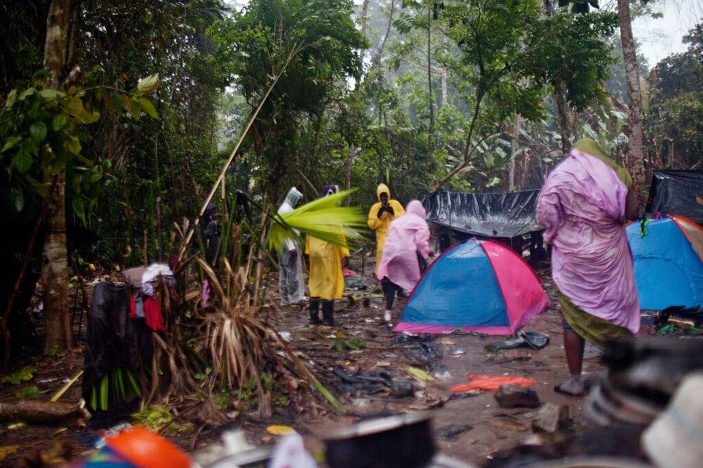 Panamá, 20 agosto 2019. L'accampamento dei migranti durante un temporale. - Carlos Villalón